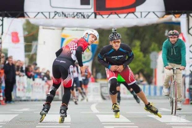 Rekord Guinnessa na Roller Cup w Wilanowie - triumf Polaka http://rekordyguinessa.pl/rekord-polaka-w-jezdzie-na-rolkach-tylem/