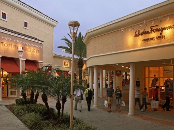 premium outlet international drive