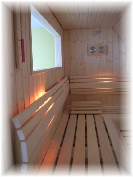 Sauna met extra kastruimte < Sauna Home