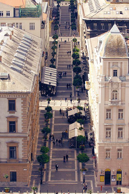 Zrínyi Utca - Street Budapest