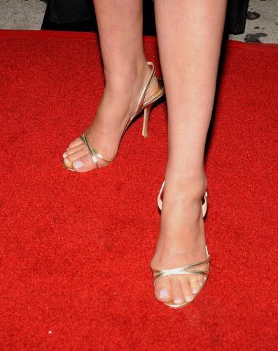 Cobie Smulders feet - #feet #legs #celebrity #footfetish #fetish