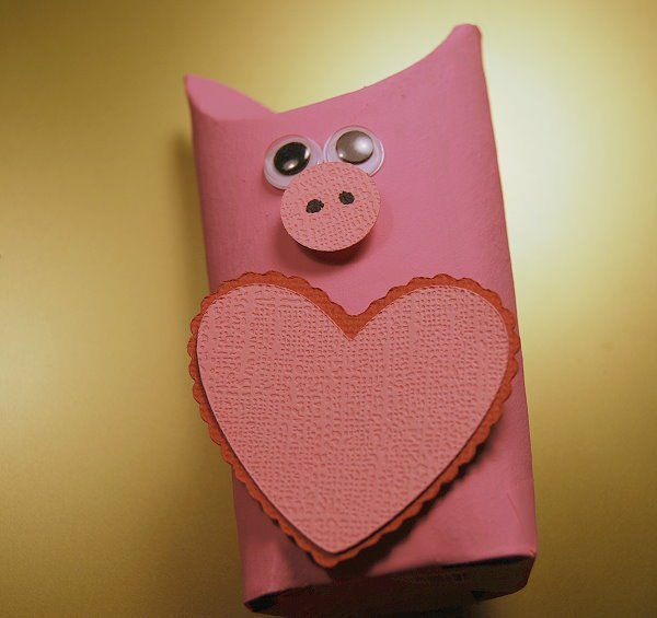 Hogs and Kisses Valentine - CreativeMeInspiredYou.com
