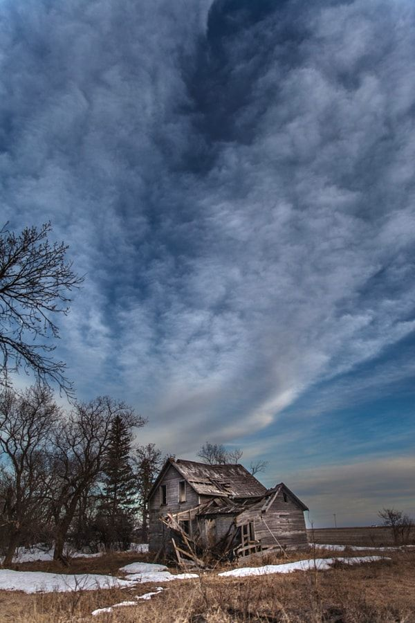 Abandoned house (Manitoba) by Manitoba Prairie Girl Who TakaLottaPictures / 500px