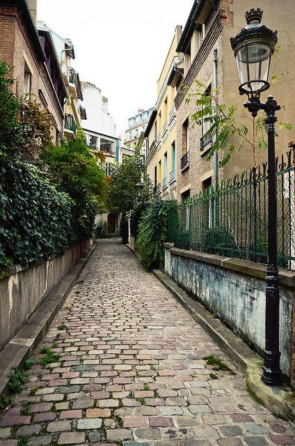 Ancien pavé en Peupliers - 13e Paris   by © Audrey