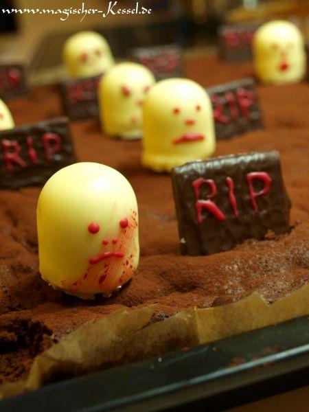 Cake dekoration for #Halloween / Grabsteine und rachsüchtige Gespenster: Kuchendeko für Halloween