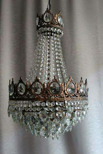 Best 25 Antique chandelier ideas on Pinterest Vintage