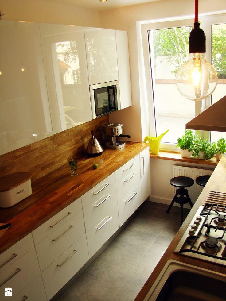 Projekt apartamentu na Żoliborzu Kuchnia - zdjęcie od HAKKA studio - Homebook.pl