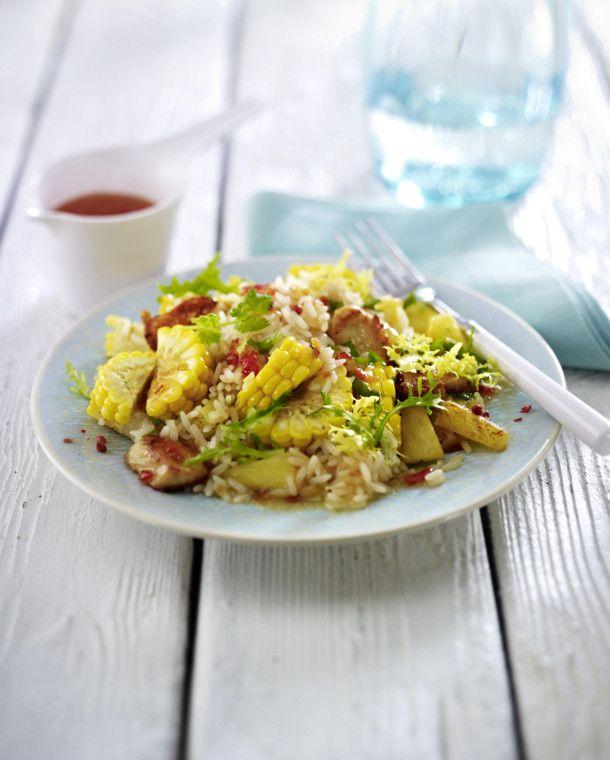 Unser beliebtes Rezept für Reissalat mit Mais, Hähnchenfilet, Ananas und Koriander mit süß-saurer Asiasoße und mehr als 55.000 weitere kostenlose Rezepte auf LECKER.de.
