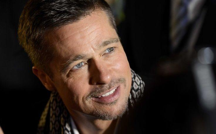 ВСети появился первый русский трейлер нового фильма 53-летнего Брэда Питта (Brad Pitt) «Путешествие времени», где Питт выступил продюсером. Навидео сневероятной красотой показываются завораживающие кадры природных явлений: черные дыры, солнечные вспышки, метеоритные дожди, вулканическая активность, потоки лавы. «Прошлое, настоящее, будущее. Путешествие отрождения звезд допоявления человечества. После стольких миллиардов лет— понялили мыхоть что-нибудь просебя?»— говорится…