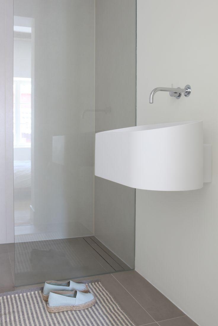8a2b5fee1a33c47b8a04f6bfe7d7500e 36 best basins images on pinterest basins, bathrooms and the box Automotive Fuse Box at bayanpartner.co