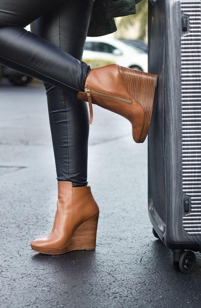 17 meilleures id es propos de chaussures compens es sur pinterest bottes noires chaussures. Black Bedroom Furniture Sets. Home Design Ideas