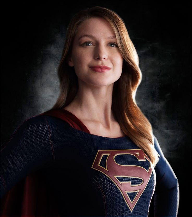 CIA☆こちら映画中央情報局です: Supergirl : ワーナー・DCの新しいテレビシリーズ「スーパーガール」が、胸にSのコスチュームを身に着けて、戦うヒロインに変身したメリッサ・ブノワの全身の写真を初公開!! - 映画諜報部員のレアな映画情報・映画批評のブログです
