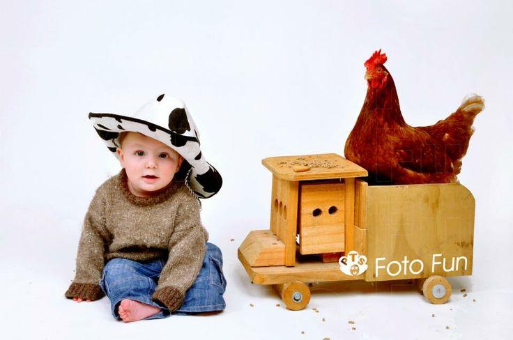 Max & chicken, cowboy style
