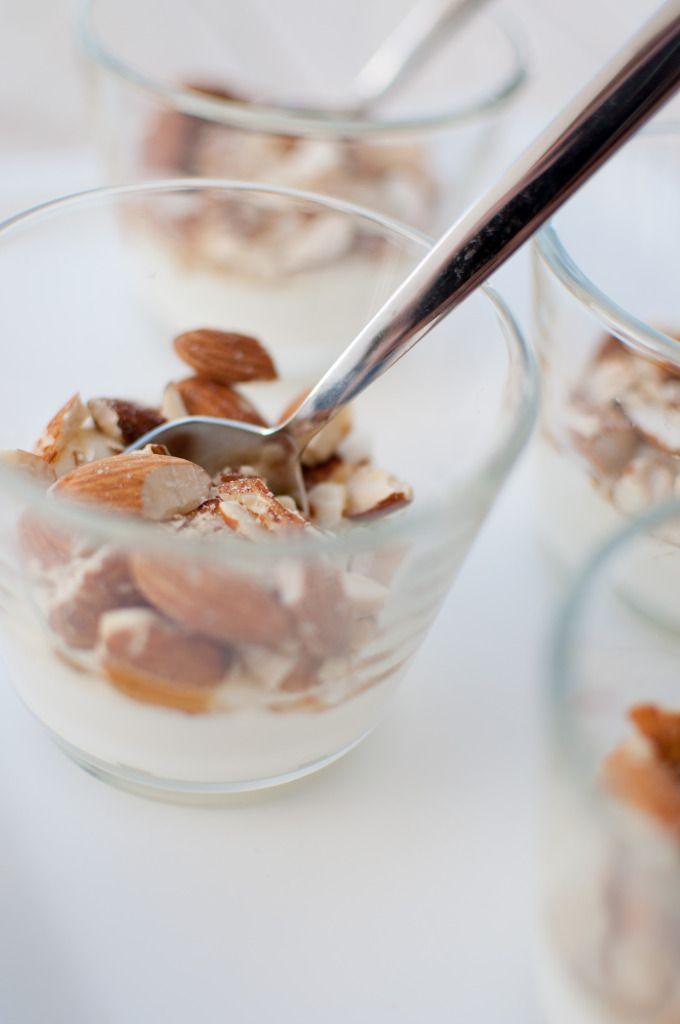 Gresk yoghurt med honning og mandler
