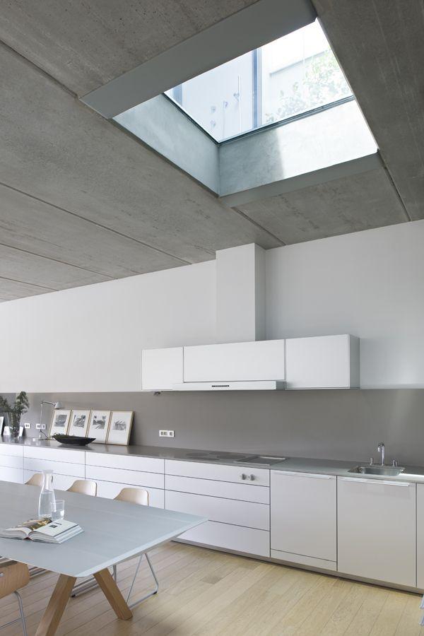.: Interior Design, Ideas, White Kitchen, Interiors, Skylight, House Idea, Modern Kitchens, Space, Kitchen Designs