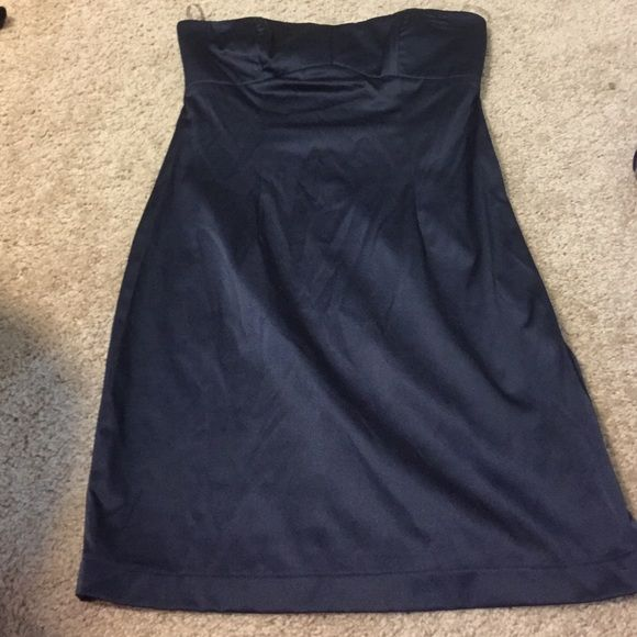 Navy blue tight dress Forever 21 tight strapless navy blue going out dress! Never worn. Never fit me. Excellent condition! Forever 21 Dresses Strapless