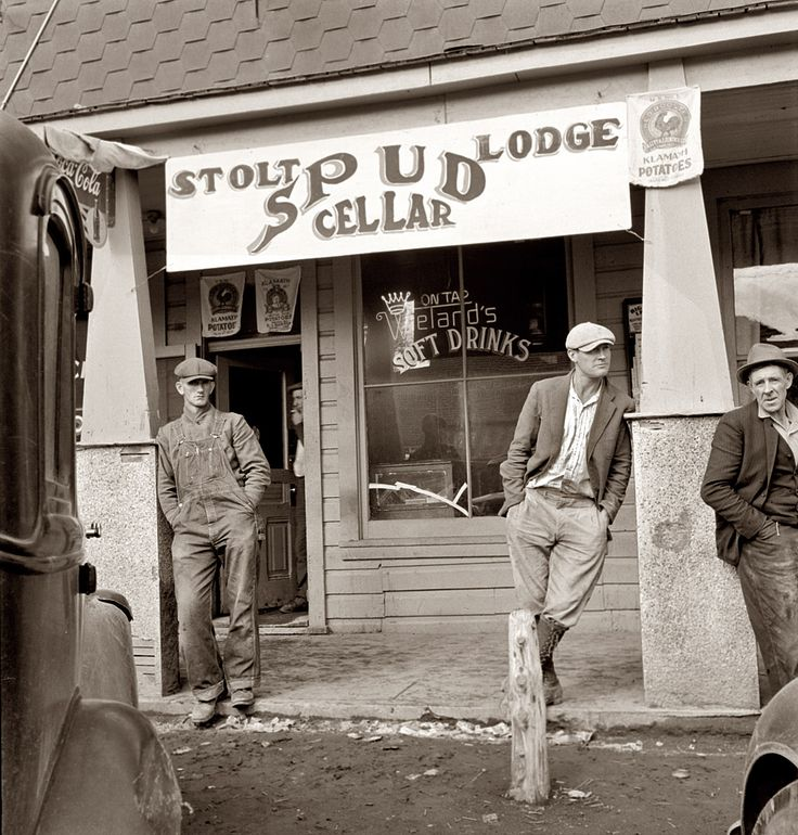 "October 1939. ""Tavern on main street of potato town during harvest season. Merrill, Oregon."""