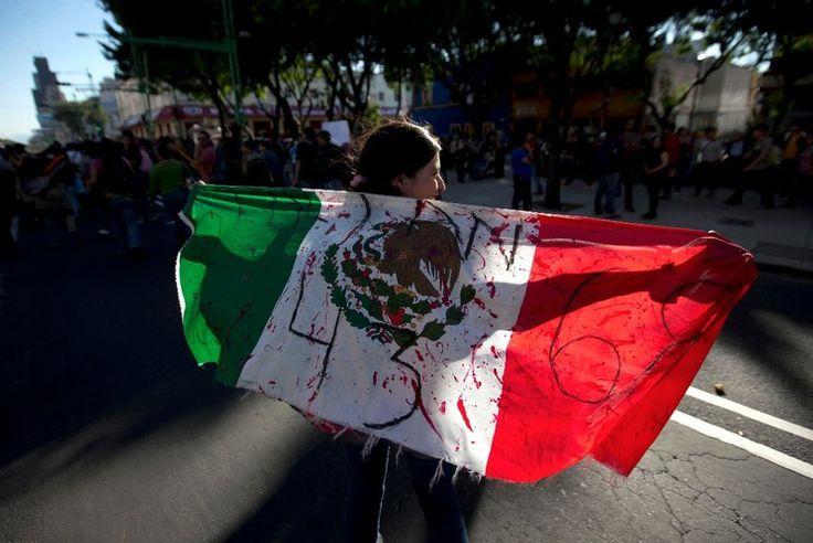 De Tlatelolco a Ayotzinapa, 47 aniversario de la matanza del 2 de octubre — La Jornada
