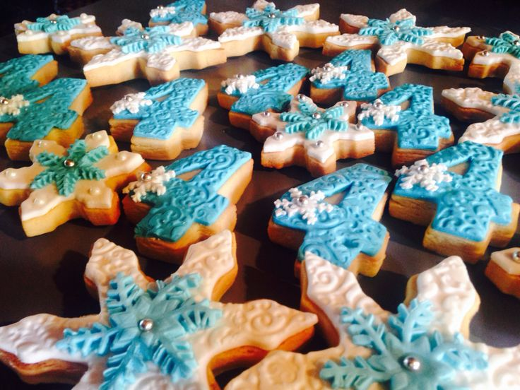 Frozen themed sugar cookies