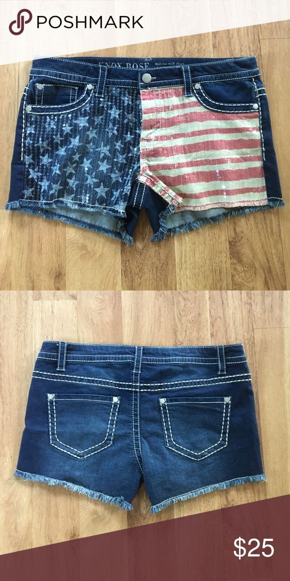 NWOT 4th of July sparkle shorts✨ NWOT 4th of July sparkle shorts✨these shorts have never been worn! They have great stretch fabric and are a size 16 Shorts Jean Shorts