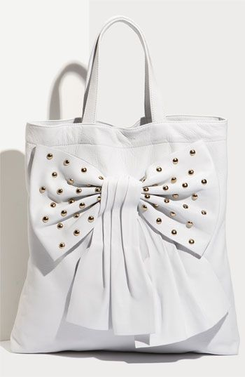 Love this white handbag!!!!                     discount designer shoes for sale, fashion designer shoes cheap wholesale.