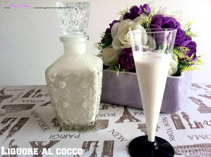 Un liquore dolce e gustoso, dal tocco esotico è il liquore al cocco, irresistibile dal primo goccio.