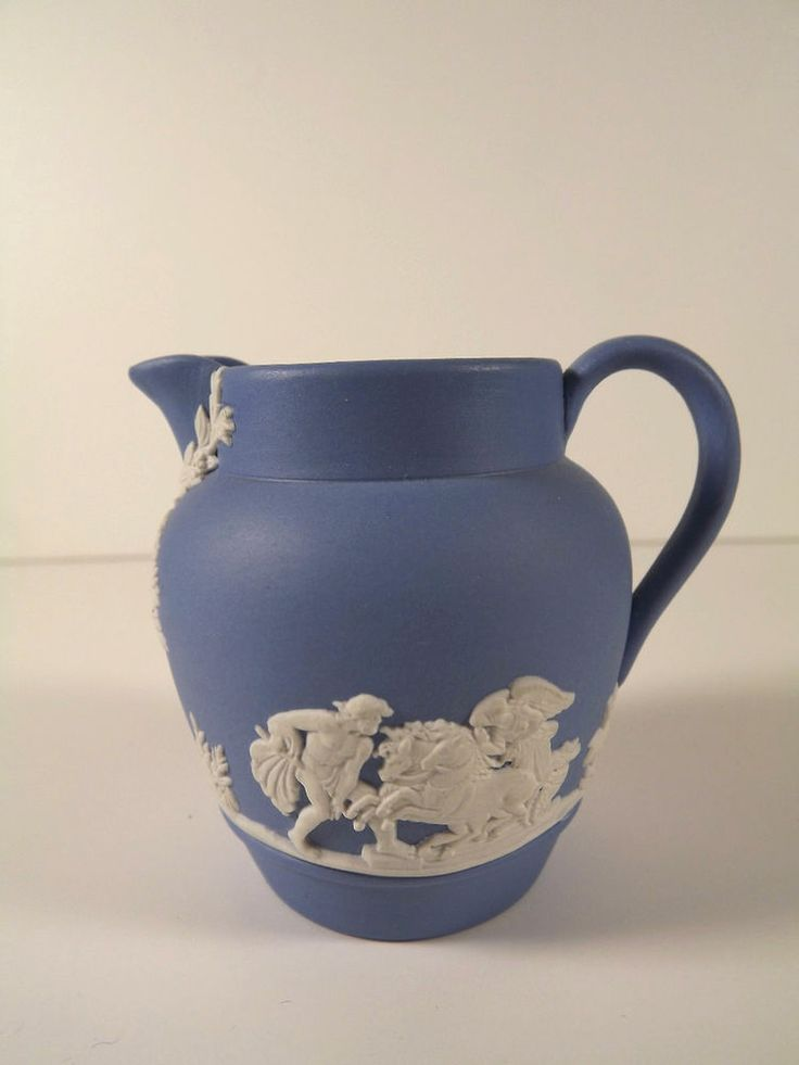 Wedgwood Jasperware Small Pitcher Creamer 1953 England Blue White 2 1 2 Quot Tall Ebay World