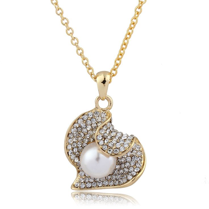 Fashion Jewelry Gold Plated Simulated Pearl Crystal Necklace Heart Rhinestone Pendant Necklace for Valentine's Day Gift of Love