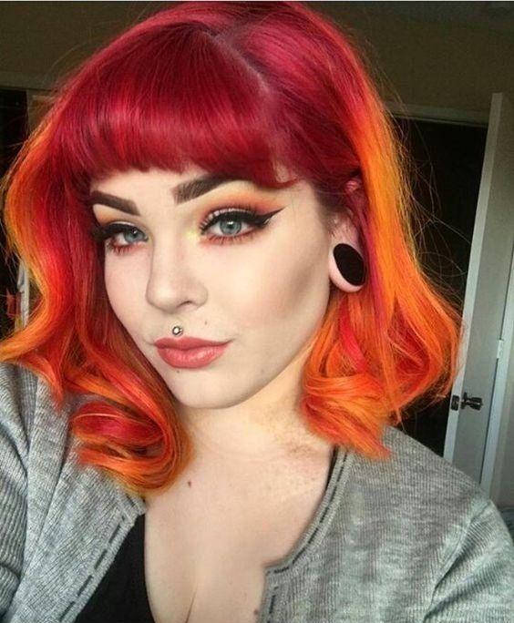 Te damos 17 ideas para llevar un rojo fuego en tu cabello Pink And Orange Hair, Orange Ombre Hair, Orange Red, Yellow Hair Dye, Hair Inspo, Hair Inspiration, Perfect Hair, Cheveux Oranges, Sunset Hair