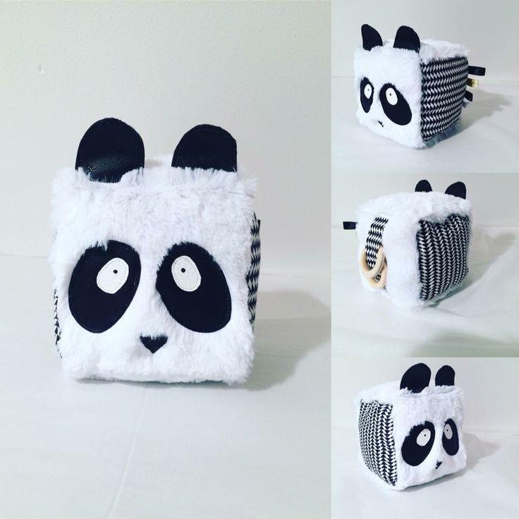 #panda #noiretblanc #cube #prehension #montessori #balleprehension #bebe #baby #couture #couturebebe #naissance #newborn