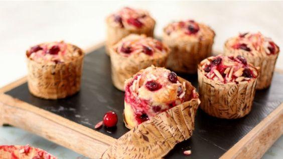Muffins aux canneberges et aux amandes - Recettes de cuisine, trucs et conseils - Canal Vie