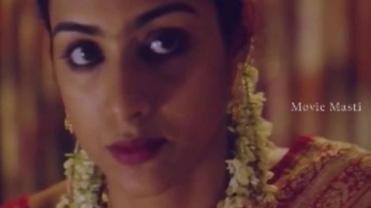 Tabu first night scene from Chandni Bar (Cabrea Queen) Movie - Movie Masthi