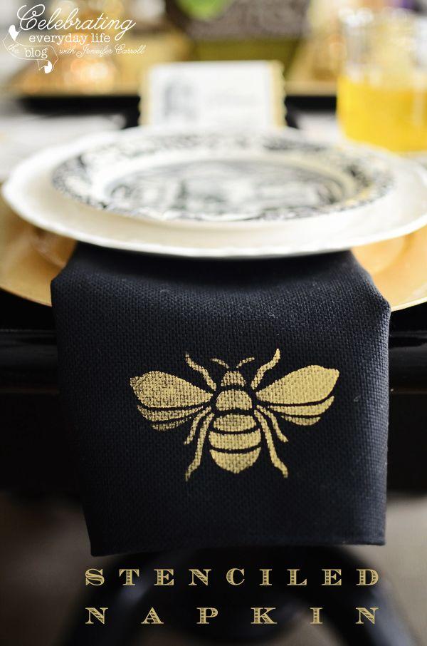 French Bee Trellis Black Linen Napkin
