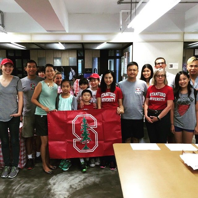 Stanford Club of Hong Kong collected and sorted one TON of donations for Redress NGO! #beyondthefarm