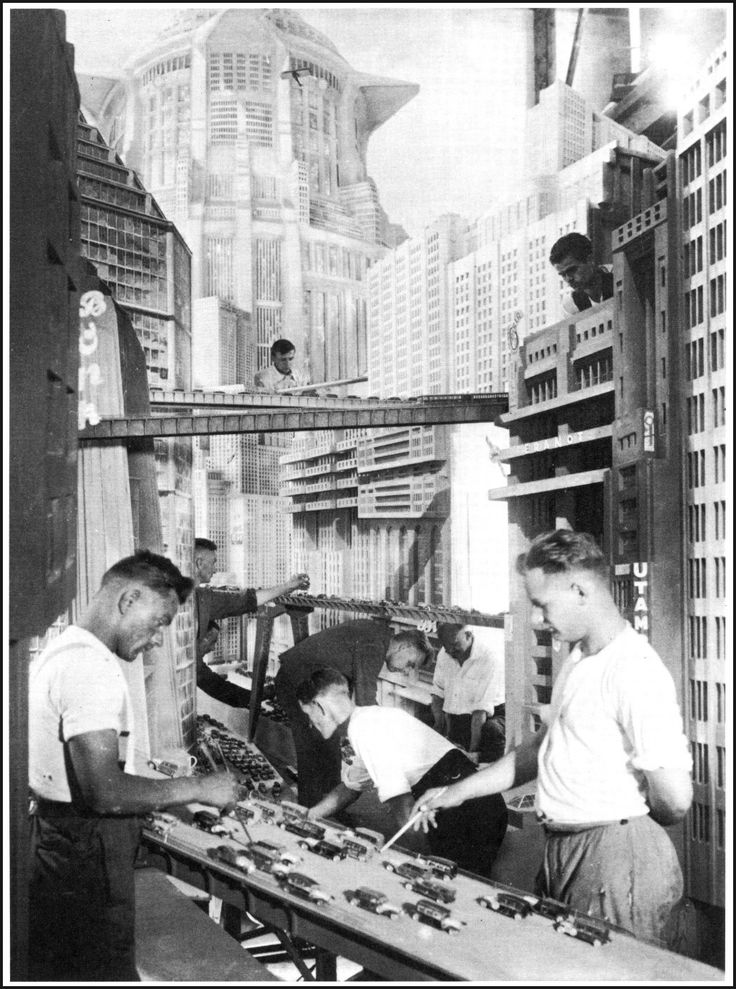 Influential - Metropolis: On the set with the miniatures. Behind the Scenes with…