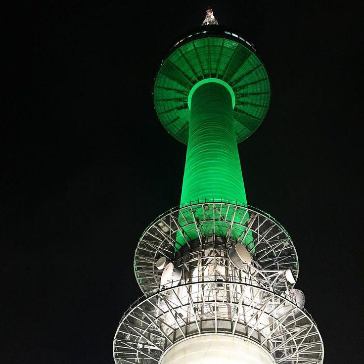 国内旅行に行くより安いこともある女子に大人気のソウル。ソウルに行ったら、ランドマーク「Nソウルタワー」に行かないともったいない!ドラマのロケ地としても使われている「Nソウルタワー」の魅力を紹介したいと思います。