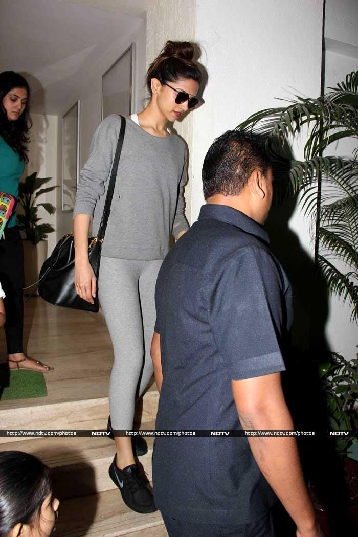 Meanwhile, actress Deepika Padukone was spotted in Bandra, Mumbai on Wednesday, looking chic in grey separates. Deepika, whose new film Tamasha hit theatres on November 27, will also be seen in Bajirao Mastani, releasing December 18.