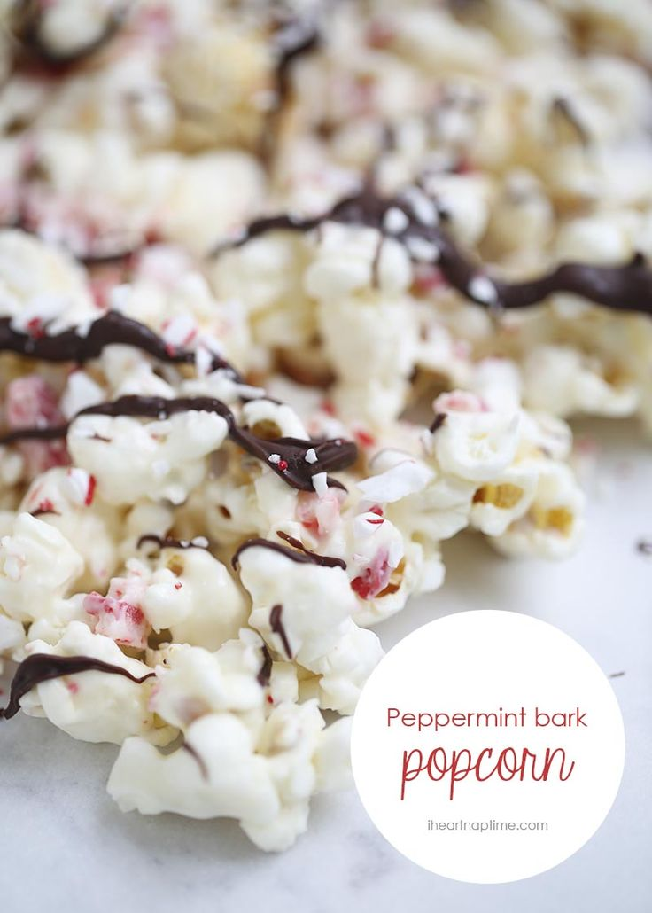 Chocolate peppermint bark popcorn -an easy and delicious treat for the holidays!