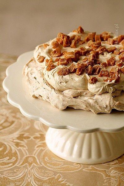 karamenová - pavlova - s karamelizovanými orechami