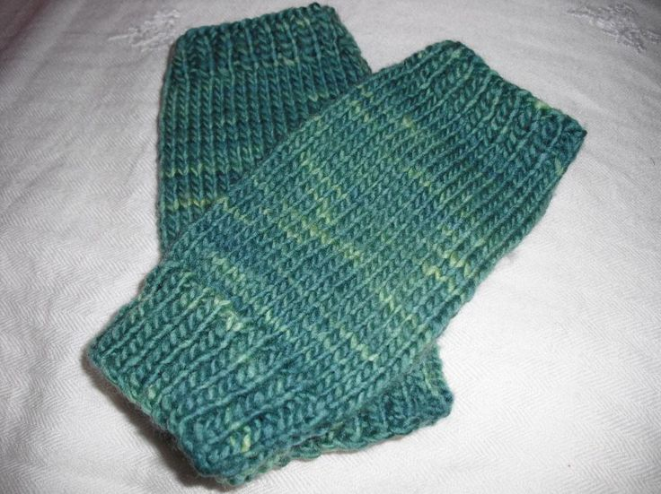 Knitted Shamrock Pattern : Free fingerless gloves knitting pattern Knitting Pinterest