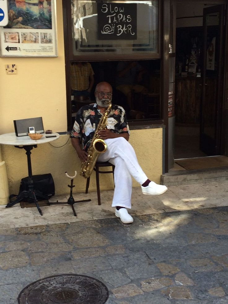 Bit of jazz whilst browsing Pollensa market