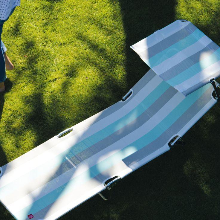 FIAM AMIGO SUN DREIBEINLIEGE Die Sonnenliege Fiam Amigo Sun von Jan Kurtz ist mit einem stufenlos verstellbaren Sonnendach ausgestattet. Wie die Dreibeinliege Fiam Amigo ist die Fiam Amigo Sun zusammenklappbar, mit verstellbarer Rückenlehne und als Sonnenliege und Liegestuhl unverzichtbar.