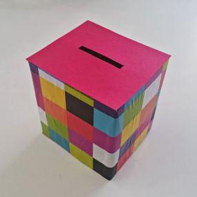 Bricolage : Fabriquer une tirelire en carton