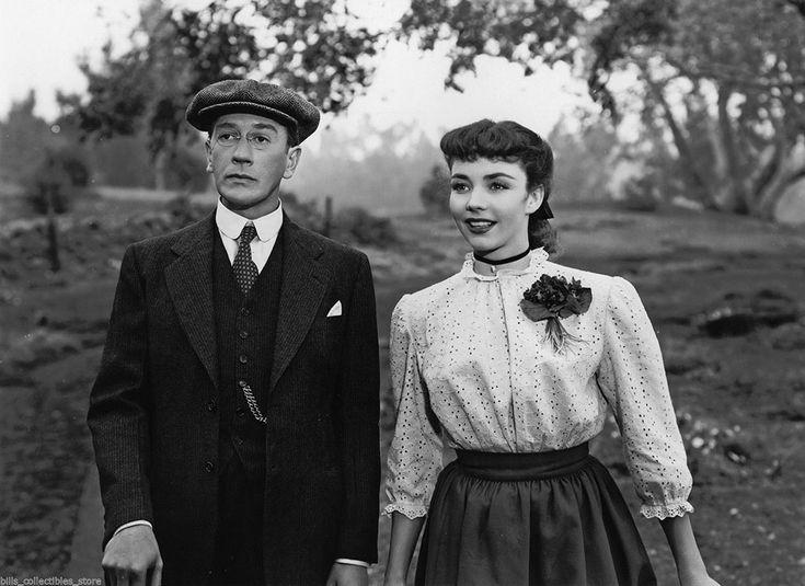 "Richard Haydn and Jennifer Jones in ""Cluny Brown"" (1946)"