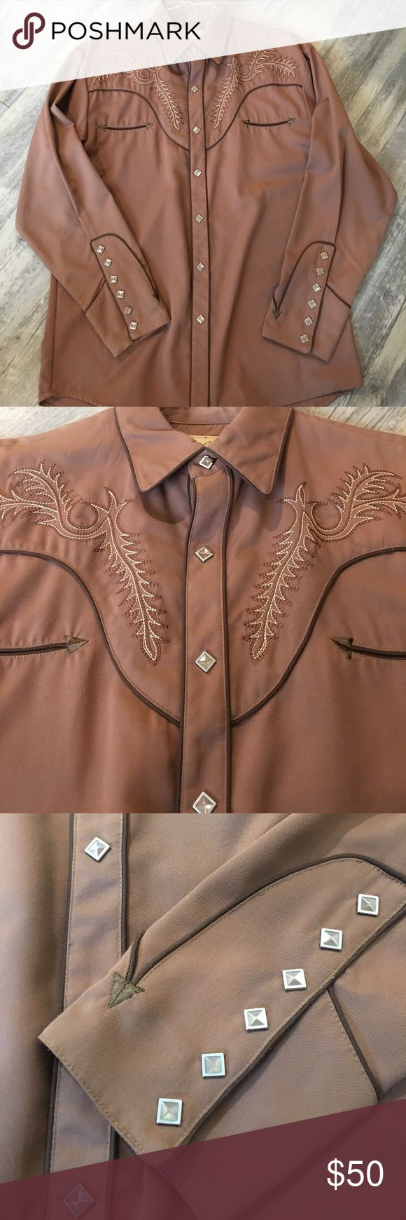 Men's Scully Pearl Snap Shirt- size M Authentic Scully Men's Pearl Snap long sleeves shirt- worn only times- almost new.  Pearl snaps are diamond shape Scully Shirts Dress Shirts