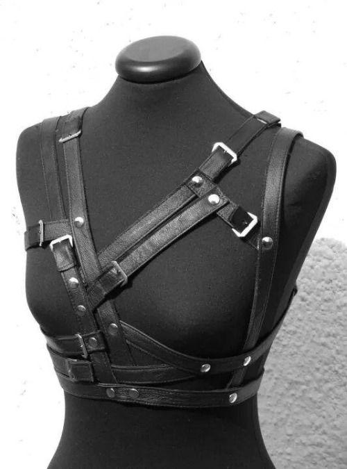 incognito-design:  #handmade#leather#fashion