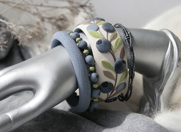 Российская мастерица делает великолепные украшения с узорами в виде растений