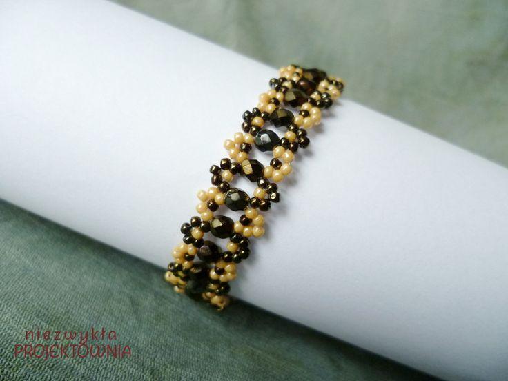 Iris Brown #bracelet made with #Toho #beads and #FirePolish #crystals. #handmade #fashionjewellery https://www.facebook.com/NiezwyklaProjektownia/