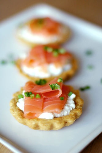 Quick and easy salmon tart