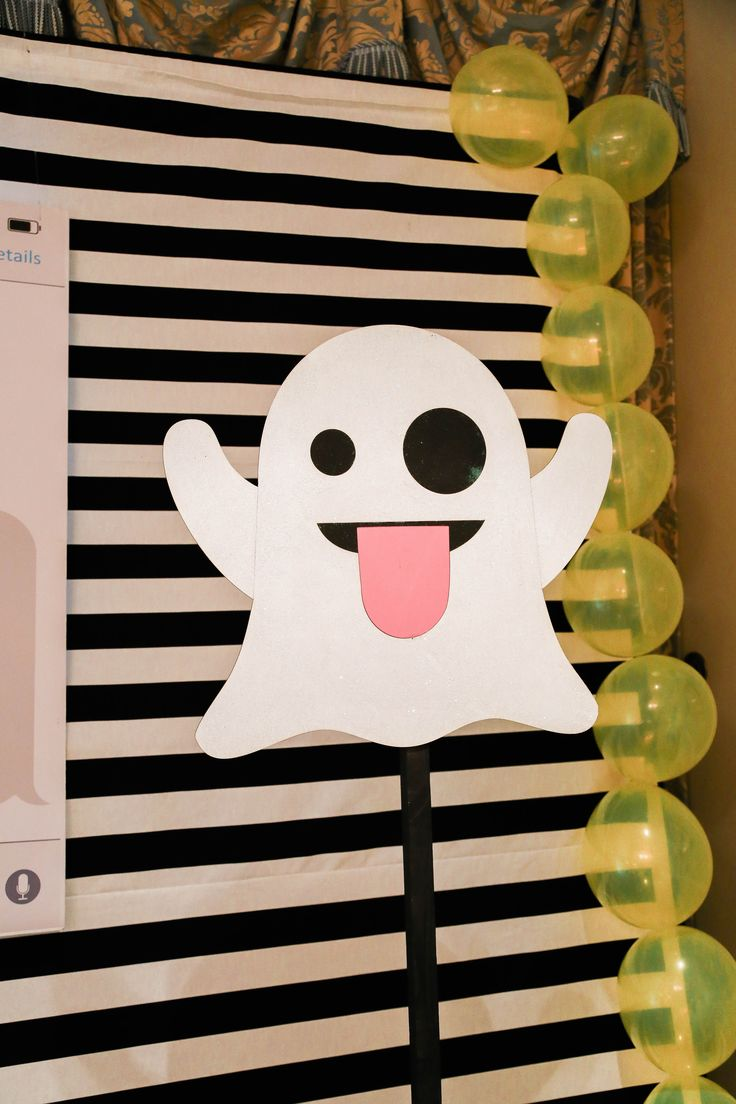 Les 39 meilleures images propos de emoji sur pinterest for Decoration emoji